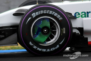 Alexander Wurz, Test Driver, Honda Racing F1 Team, RA108, Pink Tyre wall