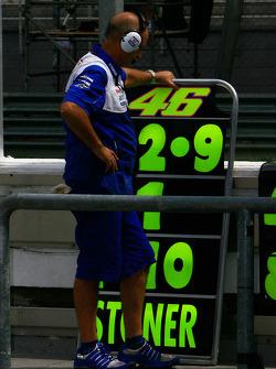 Pit board for Valentino Rossi