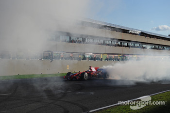 Kimi Raikkonen does a burnout