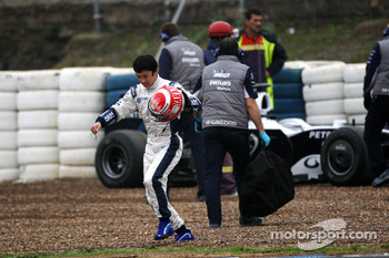 Kazuki Nakajima, Williams F1 Team after stopping on track