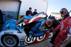 Juan Pablo Montoya and Scott Pruett practice drivers change