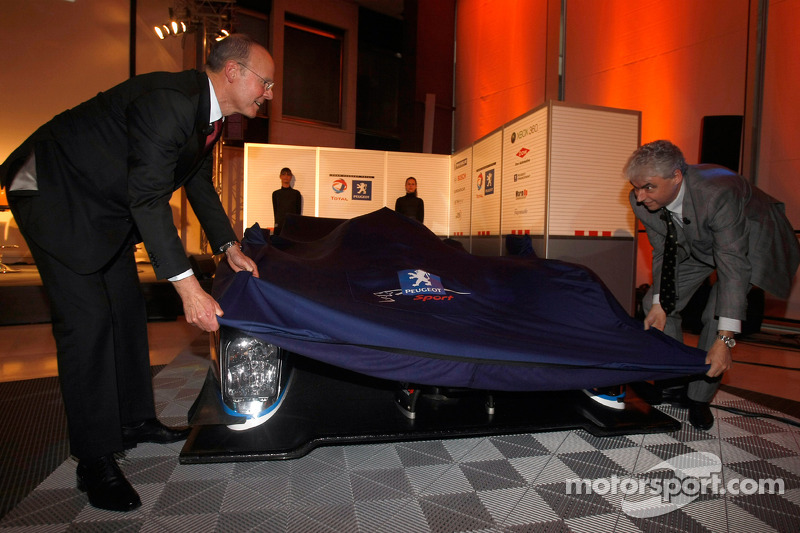 The 2009 908 HDi-FAP is unveiled