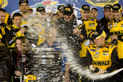 Victory lane: race winner Matt Kenseth, Roush Fenway Racing Ford celebrates with champagne