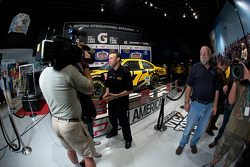 Champion's breakfast: Matt Kenseth, Roush Fenway Racing Ford, talks with the media