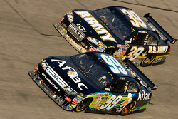Carl Edwards, Roush Fenway Racing Ford, Ryan Newman, Stewart-Haas Racing Chevrolet