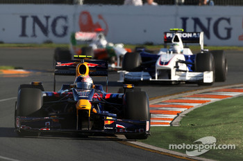 Sebastian Vettel, Red Bull Racing, RB5 leads Nick Heidfeld, BMW Sauber F1 Team, F1.09