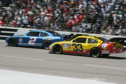 Kurt Busch, Penske Racing Dodge, Clint Bowyer, Richard Childress Racing Chevrolet