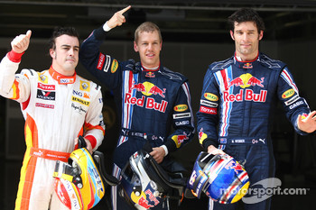 Pole winner Sebastian Vettel, Red Bull Racing, second place Fernando Alonso, Renault F1 Team, third place Mark Webber, Red Bull Racing