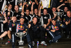 Race winner Sebastian Vettel, Red Bull Racing celebrates with Mark Webber, Red Bull Racing and Red Bull Racing team members