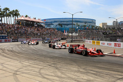 Dario Franchitti, Target Chip Ganassi Racing leads the race