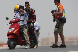 Sebastien Buemi, Scuderia Toro Rosso stops on track
