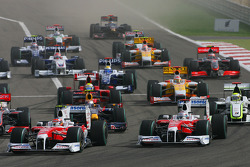 Start: Timo Glock, Toyota F1 Team and Jarno Trulli, Toyota Racing lead the field