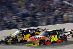 Elliott Sadler, Richard Petty Motorsports Dodge, Jeff Gordon, Hendrick Motorsports Chevrolet