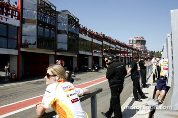 The Endurance pitlane