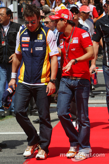 Fernando Alonso, Renault F1 Team and Felipe Massa, Scuderia Ferrari