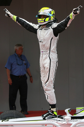 Race winner Jenson Button, Brawn GP