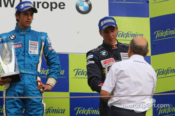 3rd, Daniel Juncadella, Eurointernational gets his trophy from Peter Sauber, BMW Sauber F1 Team, Team Advisor