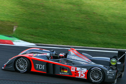 #15 Kolles Audi R10 TDI: Christijan Albers, Christian Bakkerud, Giorgio Mondini in busstop chicane