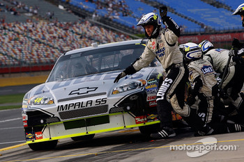 Jimmie Johnson, Hendrick Motorsports Chevrolet comes in for a pit stop during qualifying