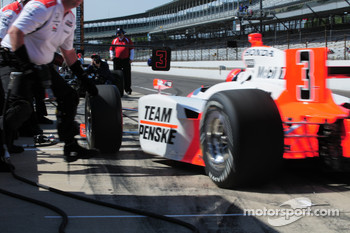 Helio Castroneves, Penske Racing and his crew practicing pitstops