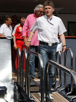 Nick Fry, BrawnGP, Chief Executive Officer, Flavio Briatore, Renault F1 Team, Team Chief, Managing Director leave the FOTA meeting on the boat of Flavio Briatore, Renault F1 Team, Team Chief, Managing Director