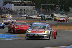 #80 Flying Lizard Motorsports Porsche 911 GT3 RSR: Jorg Bergmeister, Darren Law, Seith Neiman