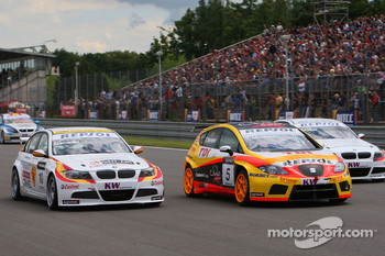 Sergio Hernandez, BMW Team Italy-Spain, BMW 320si, Tiago Monteiro, Seat Sport, Seat Leon 2.0 TDI and Jorg Muller, BMW Team Germany, BMW 320si
