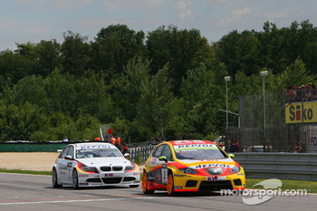 Gabriele Tarquini, Seat Sport, Seat Leon 2.0 TDI and Jorg Muller, BMW Team Germany, BMW 320si