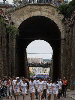 The parade comes back up in the old Le Mans tunnel