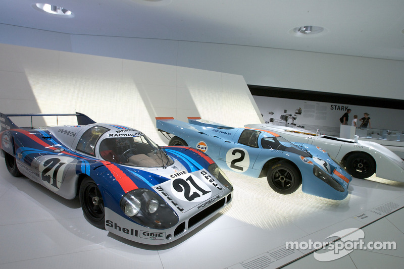 1971 Porsche 917 LH Coupé and 1970 Porsche 917 KN Coupe_