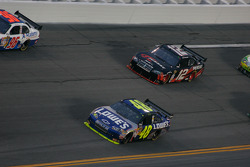 Jimmie Johnson, Hendrick Motorsports Chevrolet and David Stremme, Penske Racing Dodge