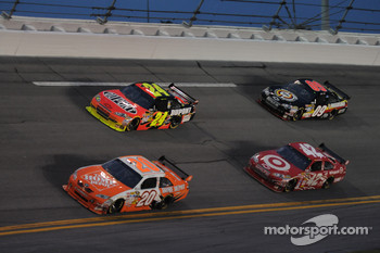 Joey Logano, Joe Gibbs Racing Toyota, Jeff Gordon, Hendrick Motorsports Chevrolet, Juan Pablo Montoya, Earnhardt Ganassi Racing Chevrolet and Brad Keselowski, Phoenix Racing Chevrolet