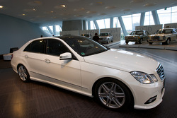 Gallery of heroes: 2009 Mercedes-Benz E 500