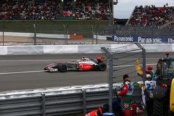 Heikki Kovalainen, McLaren Mercedes, spins