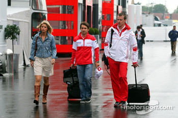 Isabell Reis, girlfriend of Timo Glock, Toyota F1 Team