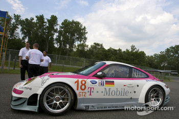 #18 T-Mobile VICI Racing Porsche 911 GT3 RSR at technical inspection