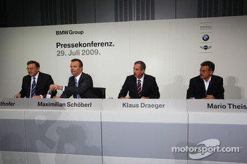 Dr. Norbert Reithofer (chairman of BMW AG), Maximilian Schöberl, Dr. Klaus Draeger (head of development), Dr. Mario Theissen (BMW Sauber F1 Team, BMW Motorsport Director)