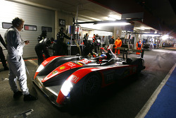 Pit stop for #15 Kolles Audi R10 TDI: Christijan Albers, Christian Bakkerud, Giorgio Mondini