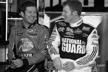 Martin Truex Jr., Earnhardt Ganassi Racing Chevrolet and Dale Earnhardt Jr., Hendrick Motorsports Chevrolet