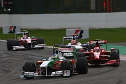 Giancarlo Fisichella, Force India F1 Team, VJM-02 and Kimi Raikkonen, Scuderia Ferrari