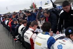 F2 driver autograph session
