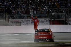 Race winner Kasey Kahne, Richard Petty Motorsports Dodge celebrates