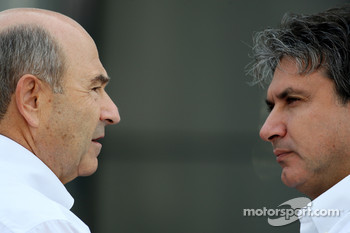 Peter Sauber, BMW Sauber F1 Team, Team Advisor and Pasquale Lattuneddu, FOM, Formula One Management