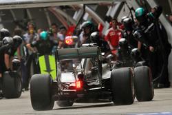 Lewis Hamilton, Mercedes AMG F1 Team W07 practices a pit stop