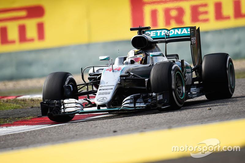 2015: Lewis Hamilton (Mercedes F1 W06)