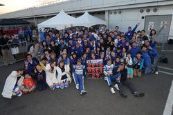 Takeshi Tsuchiya and Takamitsu Matsui, Team Tsuchiya celebratre their third place with the team