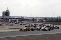 Formula 4 Photos - Start action