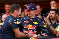 1st place Max Verstappen, Red Bull Racing celebrates with the team
