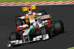 Adrian Sutil, Force India F1 Team and Fernando Alonso, Renault F1 Team