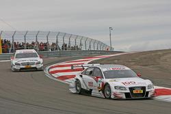 Tom Kristensen, Audi Sport Team Abt Sportsline Audi A4 DTM leads Paul di Resta, Team HWA AMG Mercedes C-Klasse